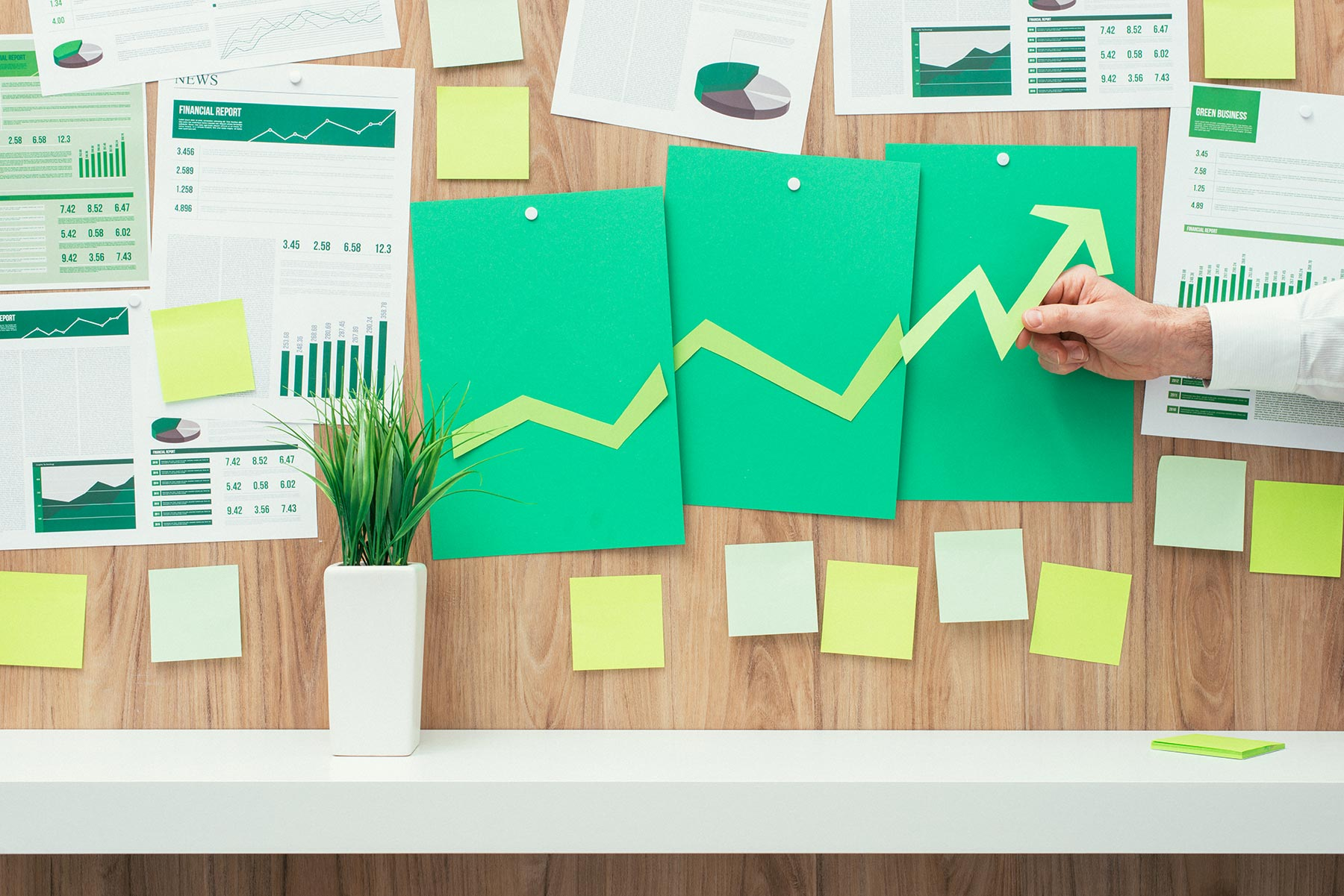 financial-success-and-green-business-NA3JHXC.jpg